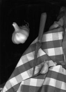 ail et couteau oeil dans la cuisine 2012 photo Hélène Purcell-Lavrillier